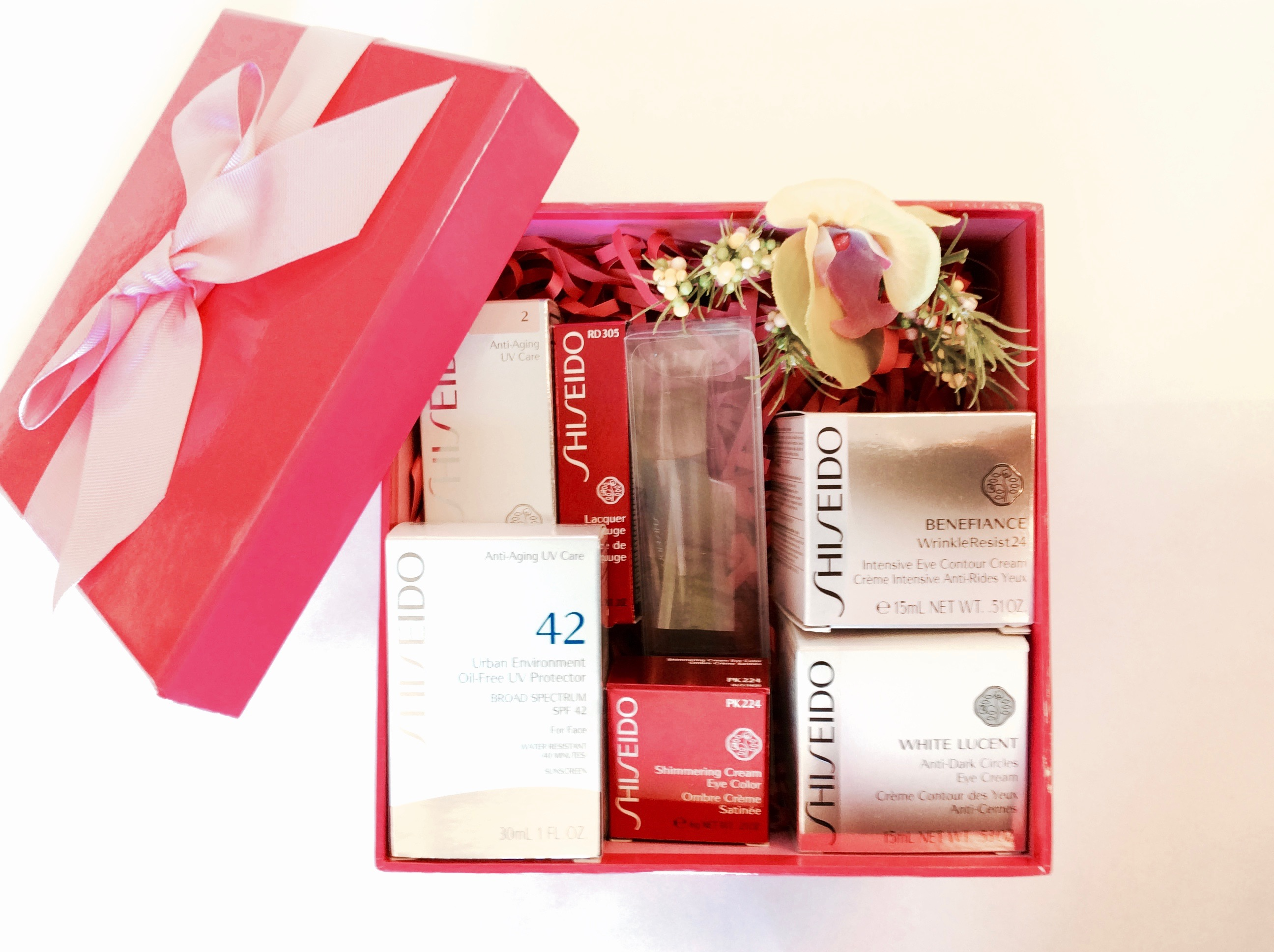 106 - Shiseido Gift Basket (pink)