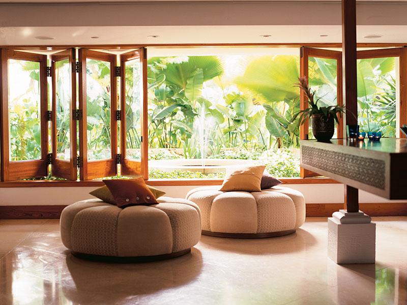 800x600-Lotus_Honolulu_Lobby
